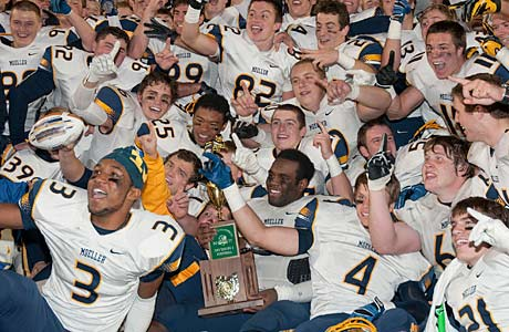 Archbishop Moeller beat previously undefeated Whitmer to win the Ohio Division I title, and also snatched the top ranking in the Midwest.